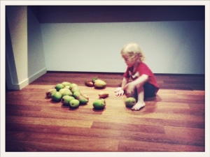 A quick game of mango bowls